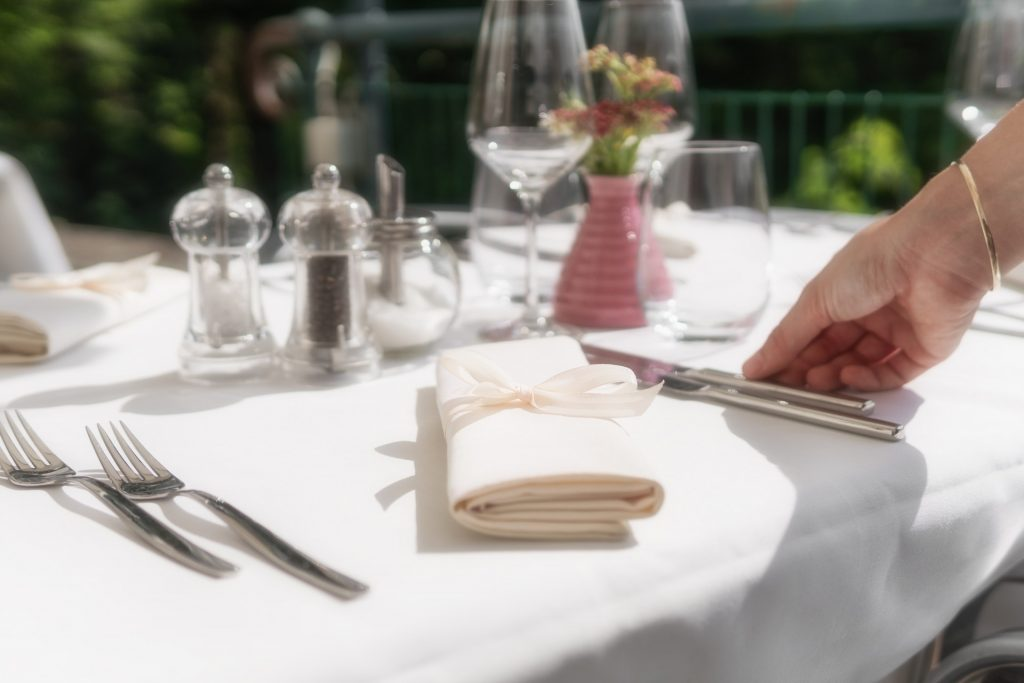 white tablecloth and napkin